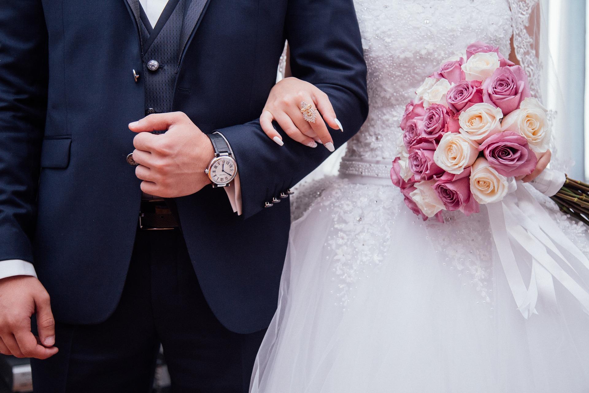 Tkaniny na suknie ślubne